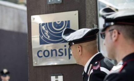 Altri documenti nel mirino della Finanza. Orlando: chiesto controlli sui carabinieri