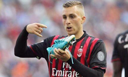 Milan vince e sorpassa l'Inter battuta a Crotone