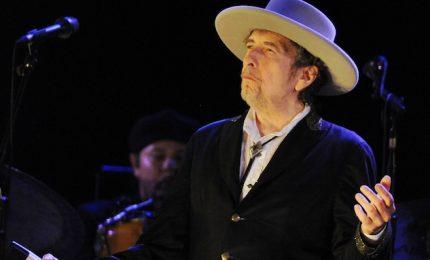 Dylan delude fino alla fine, l'artista ritira il Premio Nobel in segreto