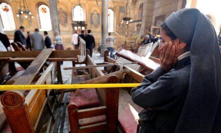 L'Isis attacca due chiese copte in Egitto, strage di fedeli. In tre anni 40 attentati