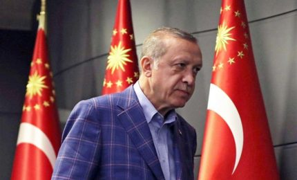 Erdogan convoca elezioni anticipate a giugno