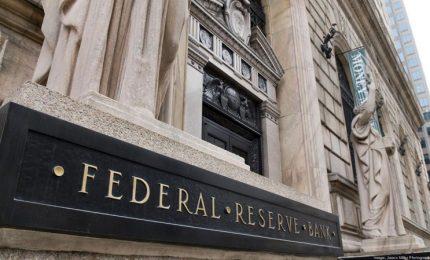 """Trump: la Fed """"è impazzita"""" a continuare ad alzare i tassi"""