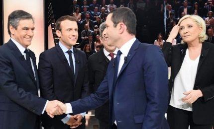 Urne aperte in Francia, alta percentuale di indecisi. Incubo terrorismo islamista
