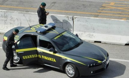 Corruzione e peculato, arrestati vertici aeroporto Lamezia Terme. Quaranta perquisizioni