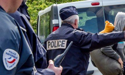 """Francia, minacciati diversi candidati. Due terroristi arrestati: avrebbero """"agito a breve"""""""