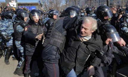 Protesta dell'opposizione a Mosca, è giallo sugli arrestati. E c'è chi parla di messinscena