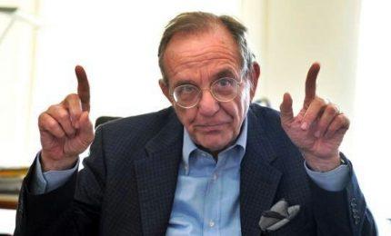 Italia non cresce, da Fitch a Moody's rating nel mirino. Padoan ammette