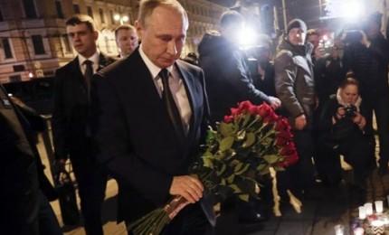 Attentato in metro, il 22enne kamikaze viveva da 6 anni a Pietroburgo. Sono 14 le vittime