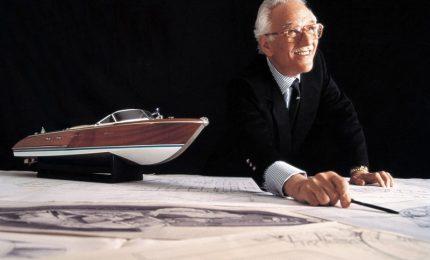 Addio a Carlo Riva, i suoi motoscafi simbolo nautica Made in Italy. Il patron dell'omonima società aveva 95 anni