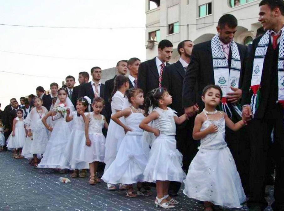"Save the Children, ogni 7 secondi una ""sposa bambina"" a uomini più grandi di lei"
