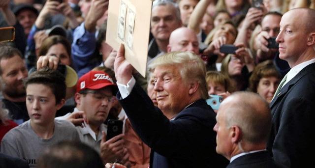 """Trump svela la """"grandiosa"""" riforma fiscale, ma mancano i dettagli. E le risorse"""
