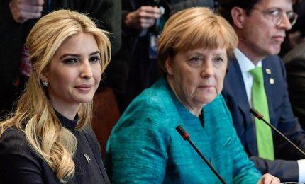 Feeling tra Ivanka e Angela, fischi e prove di dialogo Usa-Germania