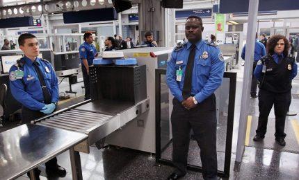 Isis sviluppa pc-bomba non rilevabili in controlli aeroporti. Effettuati test Fbi
