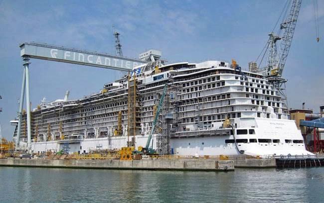 Fincantieri, Macron: da rivedere l'accordo per i cantieri STX