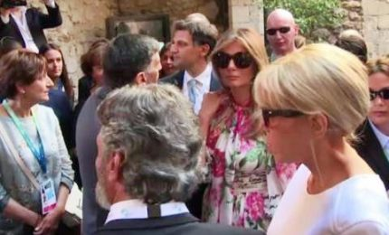 I partner dei leader G7 in visita nel centro di Taormina