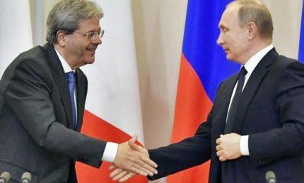 Putin e Gentiloni in conferenza stampa a Sochi