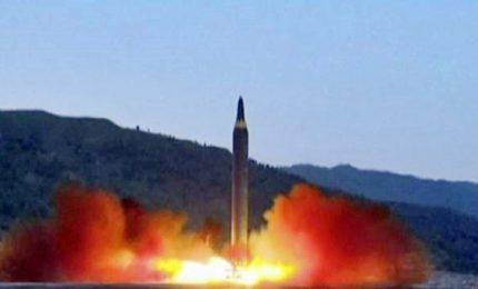 Nordcorea, il filmato del lancio del missile a lunga gittata