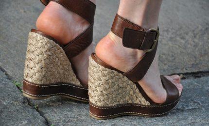 Sughero avanti tutta, la nuova moda per scarpe e accessori