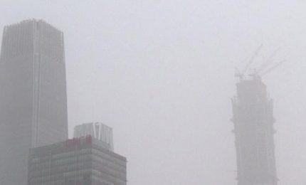 Tempesta di sabbia, il cielo su Pechino scompare