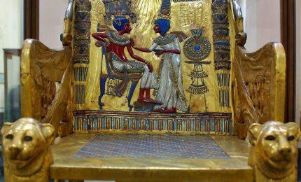 Tutankhamon, trasferiti il letto dorato e il suo carro da guerra