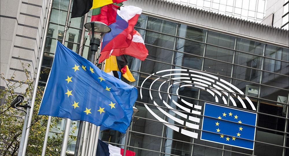 L'Italia sprofonda, l'Europa pronta a tagliare stime del Pil (0,2% nel 2019)