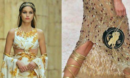 Chanel Cruise 2018, le dee greche sfilano a Parigi