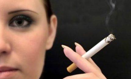 Fumo, giovanissimi i più a rischio. Sempre più donne amano la sigaretta