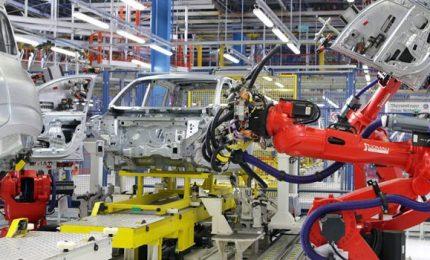 Industria, calo fatturato e ordinativi