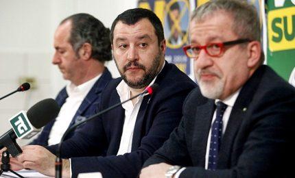 Lega sancisce svolta nazionale, riconfermato Salvini. Cori contro Bossi