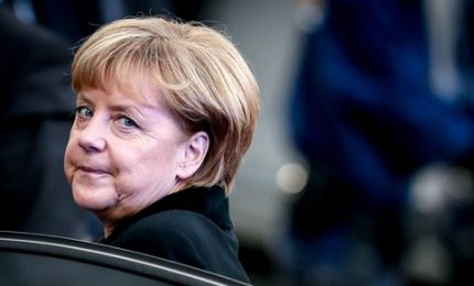 La Cancelliera accetta 'tetto' su rifugiati in Germania