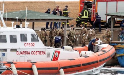 Guardia Costiera, in due giorni salvati in mare 2100 migranti