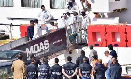 """Migrante ucciso per un cappello, fermati due scafisti. Zuccaro: """"Decisivo aiuto Moas"""""""