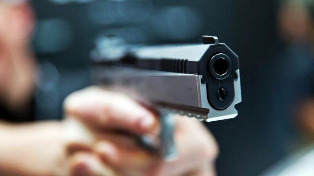 Texas, bambino di due anni trova arma in uno zaino e si uccide
