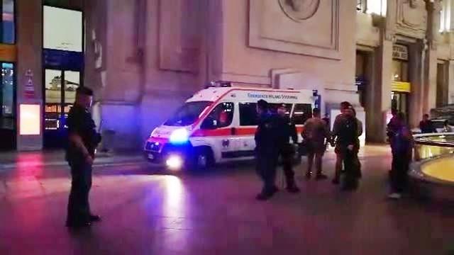 Militare e agente Polfer feriti a Milano dimensione font +