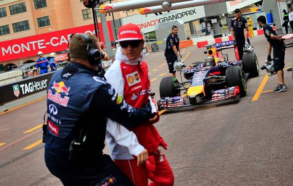 Pole position di Raikkonen, Vettel parte secondo