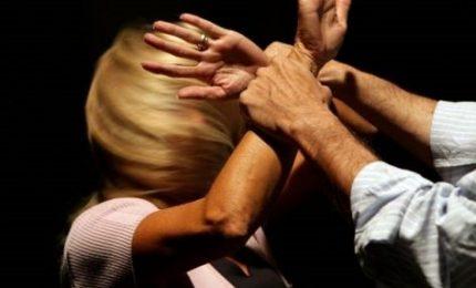 Violenta per anni fidanzata poi la perseguita, arrestato a Monza