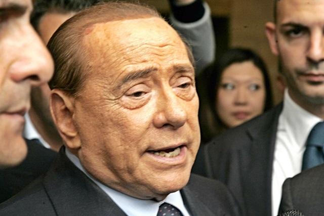 Centrodestra lavora a legge elettorale. Berlusconi in vacanza in Sardegna