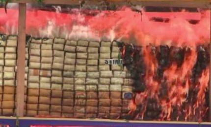 Birmania e Tailandia, in fumo un miliardo di euro di droga