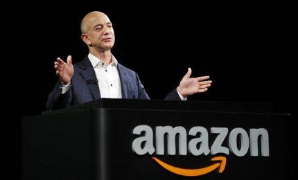 Jeff Bezos lascerà la guida di Amazon, annuncio dopo conti record
