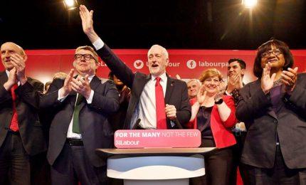 Gb, esultano i laburisti: Theresa May ha fallito