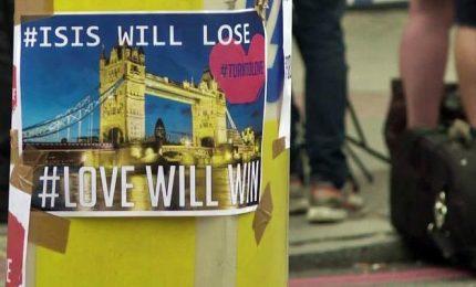 Vittime attacchi di Londra, il cordoglio dei londinesi
