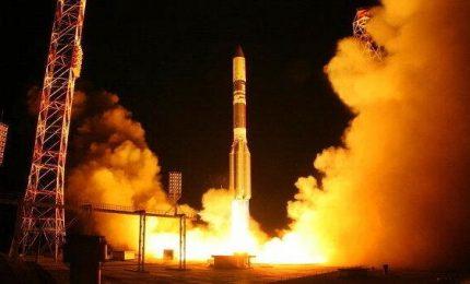 Russia lancia con successo razzo Proton con satellite Usa