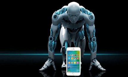 Apple punta tutto su Siri per combattere Amazon e Google