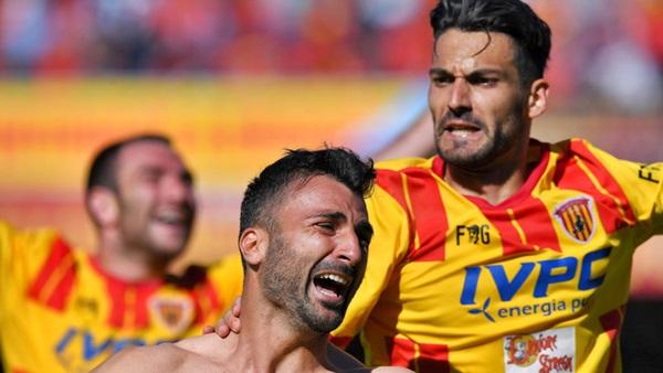Benevento batte Carpi 1-0, campani in A