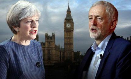 """""""Stupida donna"""", bufera su Corbyn per insulto contro May"""
