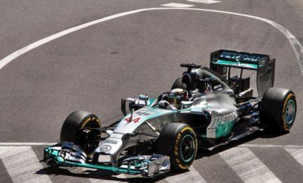 Doppietta Mercedes, vince Hamilton davanti a Bottas