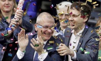 Parlamento approva matrimonio omosessuale. Merkel vota contro