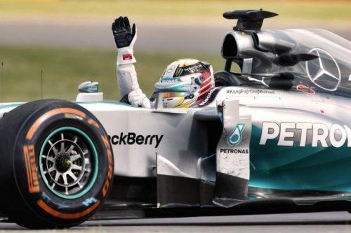 """Hamilton vince e ipoteca mondiale. Vettel: """"Mondiale andato? Non serve un genio…"""""""