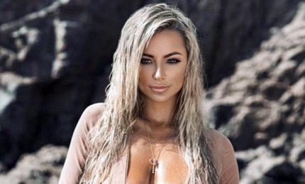 Lindsey Pelas, bionda e prorompente bellezza della Louisiana