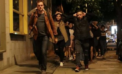 Londra, dopo l'attacco passanti in fuga